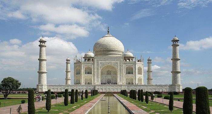 Taj Mahal Edited.jpeg आगरा के ताजमहल को यूनेस्को ने विश्व के सबसे बेहतर विरासतों में किया शुमार