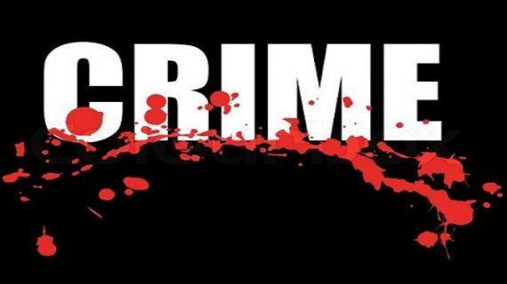 शर्मनाकः माफिया ने महिला के फाड़े कपड़े, गलियों में घुमाया