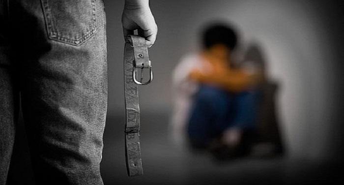 गोद ली बच्ची को करते थे प्रताड़ित, ऐसे बचाई अपनी जान