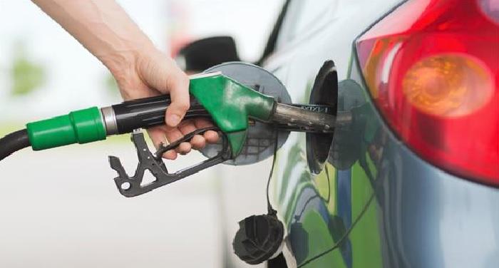 तीसरे दिन भी पेट्रोल-डीजल में 6 पैसे की गिरावट