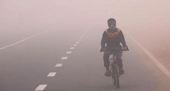 cold ठंड का कहर झेल रहा उत्तर भारत, रेल-फ्लाइट सब पर ठंड की मार
