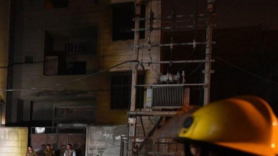 बवानाः अवैध पटाखा फैक्ट्री में लगी जबरदस्त आग, 17 की मौत कई घायल