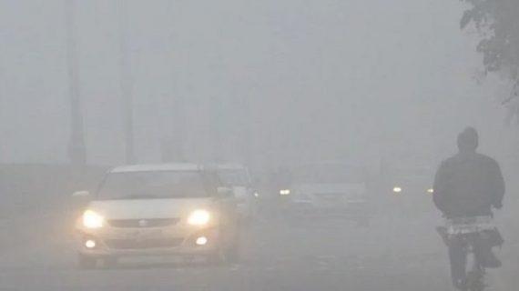 जानलेवा ठंड ने ले ली 54 जानें, रेल और हवाई यात्रा पर पड़ा असर