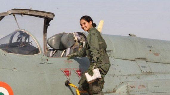 अवनि ने रचा इतिहास, लड़ाकू विमान अकेले उड़ाने वाली पहली महिला बनी