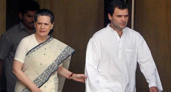 483712 sonia rahul gandhi कोरोना के बीच सोनिया गांधी ने सरकार पर फोड़ा पेट्रोल डीजल का सियासी बम..