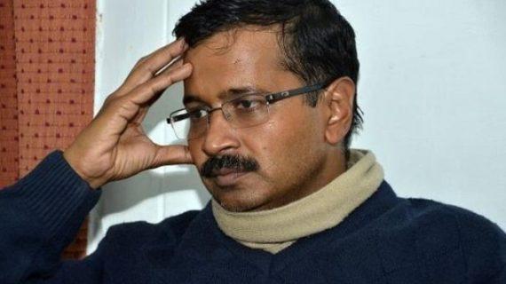 """लोगों की उम्मीदों पर खरी नहीं उतरी """"AAP"""" सरकार, बीजेपी बनी पहली पसंद: सर्वे"""