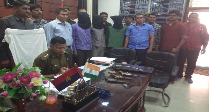 कन्नौज मैनपुरी बार्डर पर मुठभेड़ में बदमाश समेत सब इंस्पेक्टर और सिपाही घायल