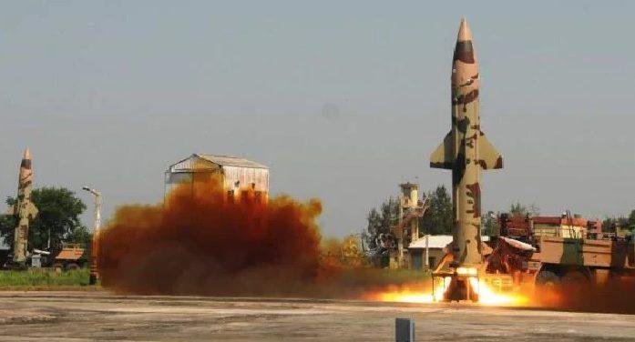 भारत ने किया नौसैनिक पोत से परमाणु क्षमता युक्त धनुष बैलिस्टिक मिसाइल का सफल परीक्षण