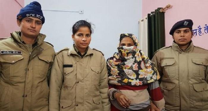महिला तस्कर गिरफ्तार, चरस बरामद