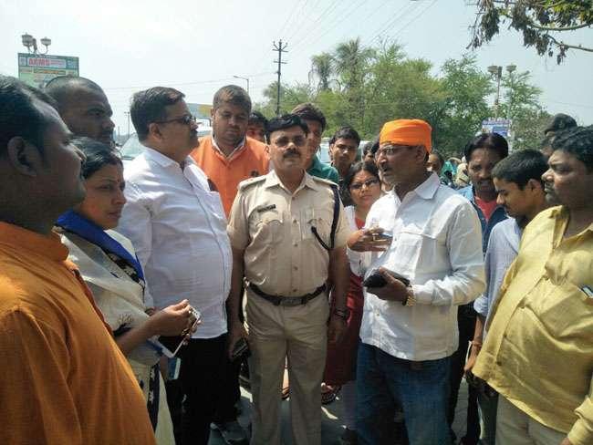 पीएम मोदी और लालू के नाम पर खूनी होली-भाजपा नेता के पिता की गला काटकर हत्या