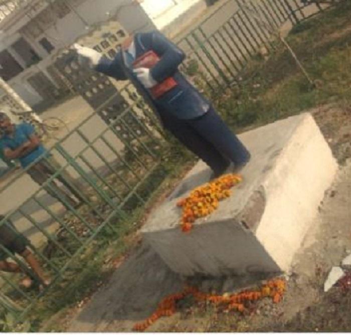 ambedkar इलाहाबाद में तोड़ी अंबेडकर की मूर्ति, माहौल बिगाड़ने की कोशिश