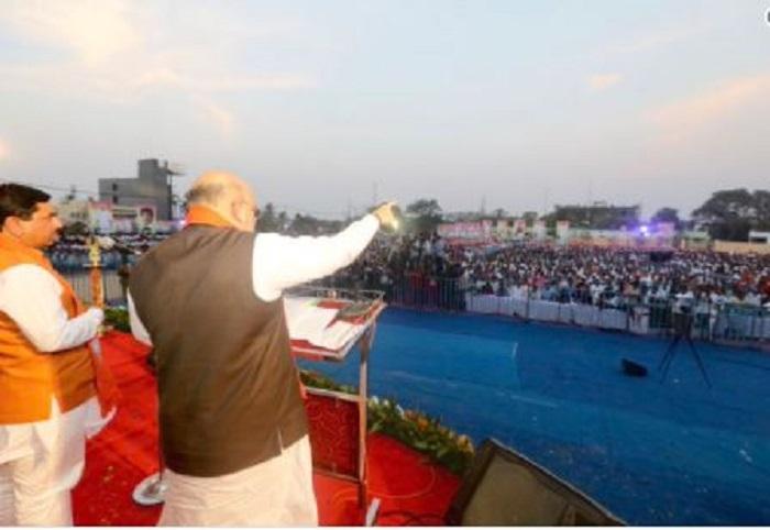 amit कर्नाटका में बोले अमित शाह, 'कांग्रेस ने अल्पसंख्यकों के लिए की बजट में चार गुना की वृद्धि, SC/ST के लिए कुछ नहीं'