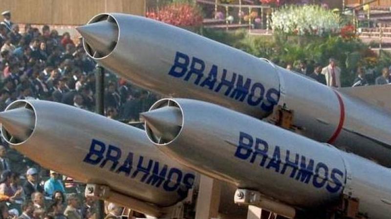 dc Cover h9c5a6qe889taiolcjkn8hugv2 20171122143654.Medi सुपरसोनिक मिसाइल 'ब्रह्मोस' का भारत में सफल परीक्षण, इस तरह दुशमन पर करती है वार