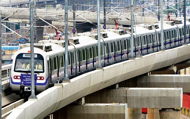 DMRC का इंडसइंड बैंक से करार, यात्री एटीएम से करेंगे रिचार्ज