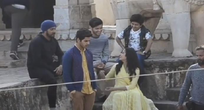 janhvi kapoor वायरल वीडियो: क्या है जाह्नवी के सेट पर लौटने वाली वीडियो का सच
