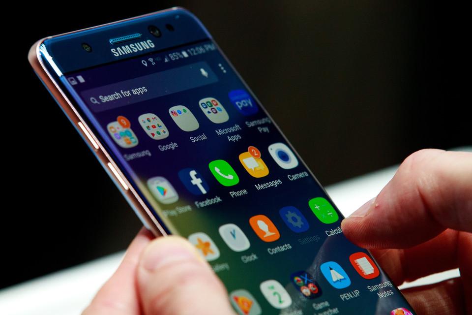 nintchdbpict000273855840 स्मार्टफोन ज्यादा इस्तेमाल करने की लत है इस बिमारी के लक्षण