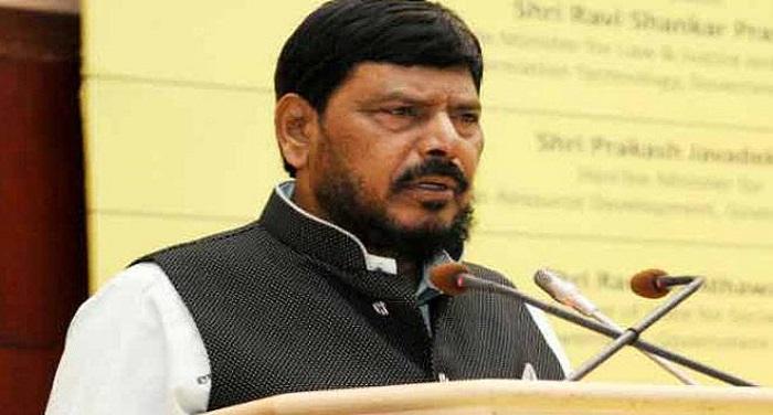 ramdas athawale 1505651131 बीजेपी को जीत दिलाने के लिए मायावती से बात करने को तैयार: अठावले