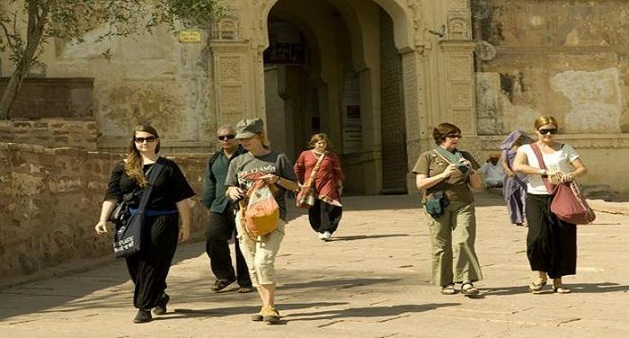 tourism k04D प्रतिबंधित क्षेत्रों में जा सकेंगे विदेशी सैलानी, पाक-चीनी नागरिकों पर रहेगी रोक