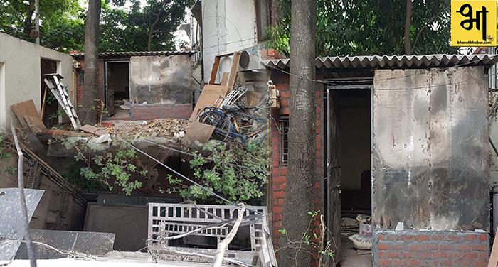 साउथ दिल्ली के अपार्टमेंट में अवैध निर्माण को लेकर म्युनिसीपल कमीशनर को की शिकायत