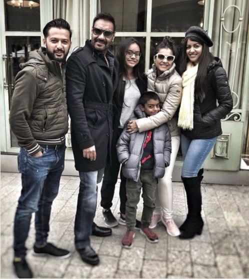 AJAY DEVGN अजय देवगन ने पेरिस में फैमिली के साथ सेलिब्रेट किया 49वां जन्मदिन, सोशल मीडिया पर शेयर की तस्वीरें