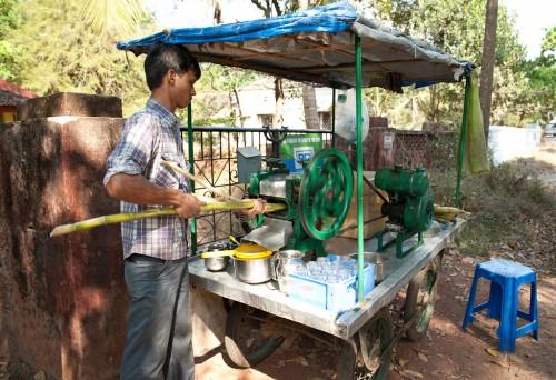 Sugarcane 1 e1323026936926 10 रुपए का गन्ने का जूस प्यास तो बुझाता है, लेकिन क्या आप जानते हैं इसके ये घातक नुकसान