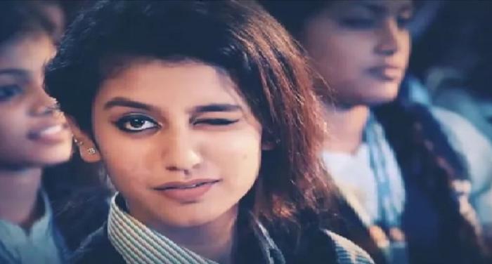 प्रिया प्रकाश ने फिर मारी आंख हुआ वीडियो वायरल