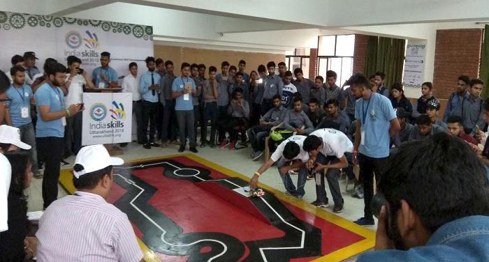 डी.आई.टी. विश्वविद्यालय में किया गया कौशल विकास प्रतियोगिता का आयोजन