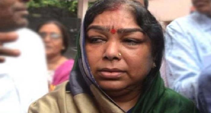 unnav उन्नाव रेपकाण्ड: डीजीपी से मिली विधायक की पत्नी संगीता सेंगर, पीड़िता का हो नारको टेस्ट