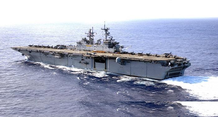 usnavy030127 n 1352s 009theamphibiousassaultshipussbonhommerichardlhd 6 नाविकों के अपहरण से गुस्से में उत्तर कोरिया , तैनात किए युद्धपोत