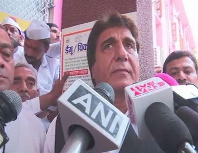 वाराणसी हादसा: कांग्रेस नेता राज बब्बर ने कहा, तीन मंदिर तोड़कर फ्लाई ओवर बनाने के कारण हुई घटना