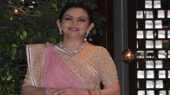 नीता अंबानी ने श्रीदेवी के इस गाने पर लगाए ठुमके, चंद मिनटों में वायरल हुआ वीडियो