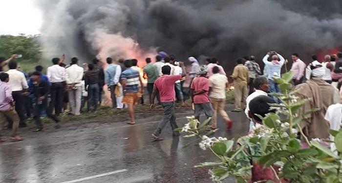 bus accident in बिहार में दर्दनाक हादसा, दिल्ली आ रही बस में लगी आग, 27 की मौत