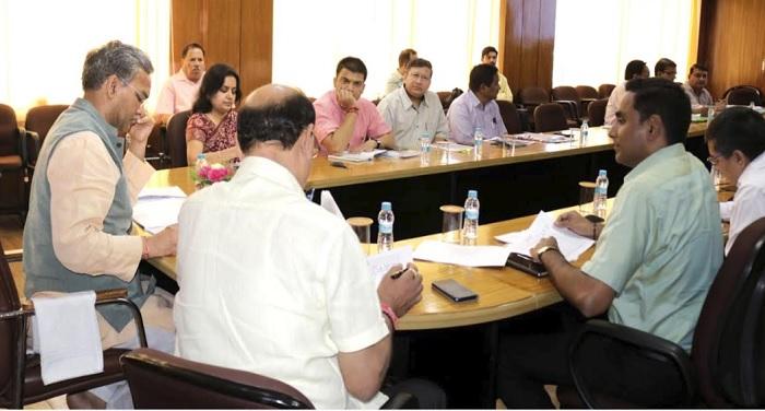 सीएम रावत ने सचिवालय में कृषि विभाग की समीक्षा बैठक की अध्यक्षता