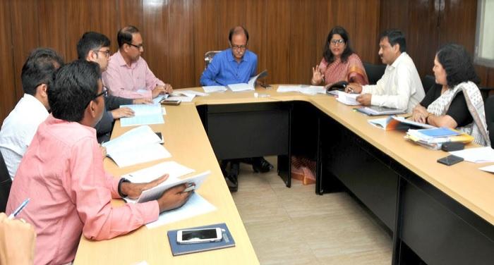 स्टार्ट अप काउंसिल की बैठक की अध्यक्षता करते हुए मुख्य सचिव उत्पल कुमार