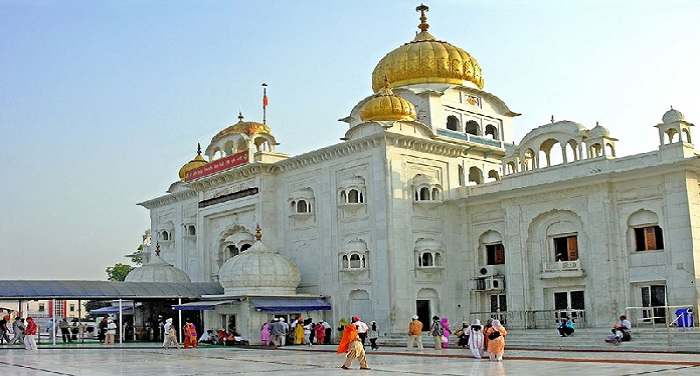 दिल्ली: गुरूद्वारा बंगला साहिब विदेशी पर्यटकों के लिए बना आकर्षण का केन्द्र, एक साल में 12 लाख सैलानियों ने टेका माथा