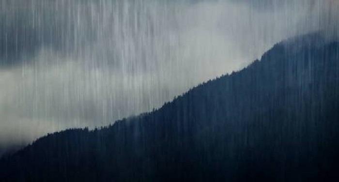 देहरादून में बदला मौसम का मिजाज,बारिश शुरू, डीएम ने सावधानी बरतने की दी सलाल