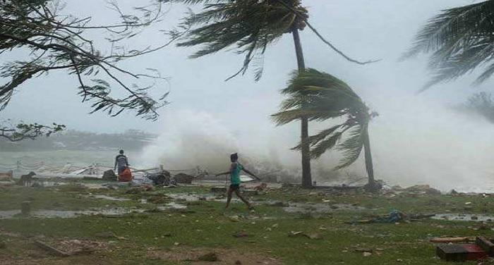 आंधी-तूफान के बीच कई तटीय राज्यों को चक्रवाती तूफान सागर को दी गई चेतावनी
