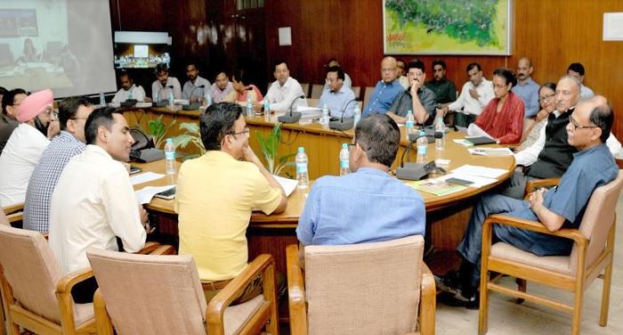 उत्पल कुमार सिंह ने ली अंतर्राष्ट्रीय योग दिवस की तैयारियों के संबंध में बैठक