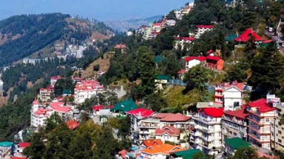 हिमाचलः मनाली में पर्यटन सीजन खत्म होने से पहले पर्यटकों की संख्या घटी,टैक्सी करोबारियों को लगा झटका