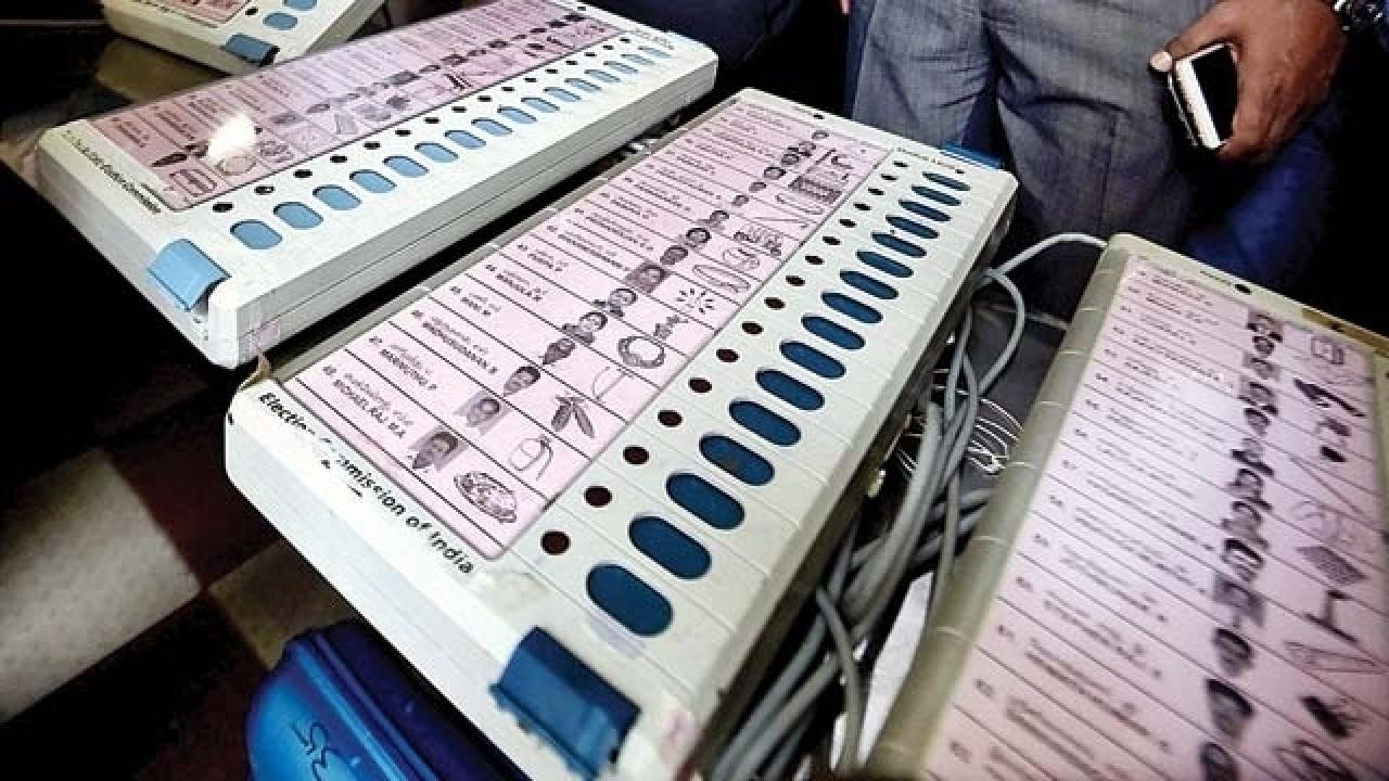 594935 580885 evm कर्नाटक: जयनगर विधानसभा सीट पर मतगणना जारी, कांग्रेस उम्मीदवार 8537 वोटों से आगे