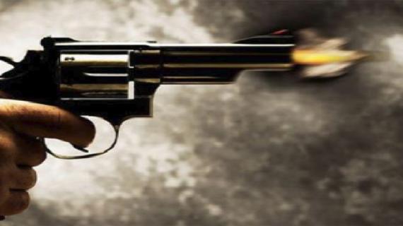 हथियारबंद अपराधियों ने चलाई व्यवसायी पर अंधाधुंध गोलियां, युवक की मौके पर हुई मौंत
