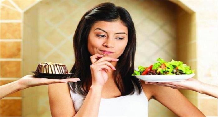 खाली पेट भूलकर भी ना खाएं ये चीजें, करती हैं जहर का काम