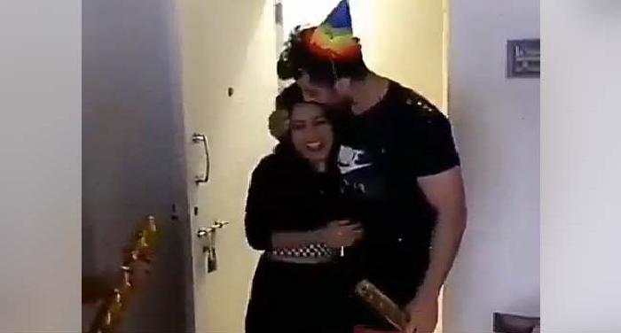 Happy Birthday : आधी रात को नेहा कक्कड़ के 'बॉयफ्रेंड' ने दिया ये सरप्राइज