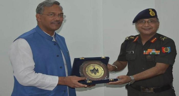 सीएम रावत से महानिदेशक एन.सी.सी ले.जनरल(वी0एस0एम) पी.पी.मल्होत्रा ने शिष्टाचार भेंट की