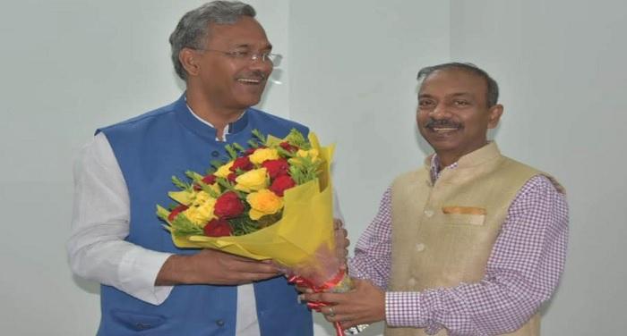 cm rawat 2 5 मुख्यमंत्री त्रिवेन्द्र सिंह रावत से केन्द्रीय सूचना एवं प्रसारण सचिव अमित खरे ने की शिष्टाचार भेंट