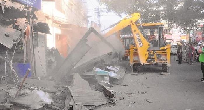 dehradun 2 3 हाईकोर्ट के आदेश पर सरकार ने राजधानी में अतिक्रमण हटाने की कवायद शुरू कर की