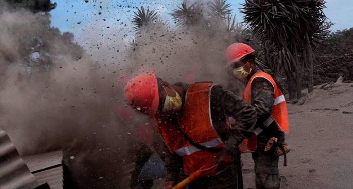 ग्वाटेमाला: ज्वालामुखी फटने से मरने वालों की संख्या पहुंची 73, 200 लापता