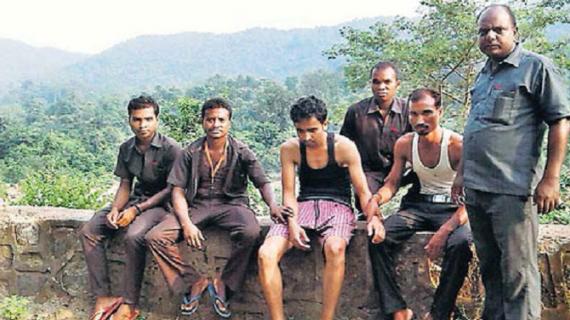 झारखंडः पर्यटन कर्मियों की तत्परता से बची हुंडरू फॉल में डूब रहे दो छात्रों की जान