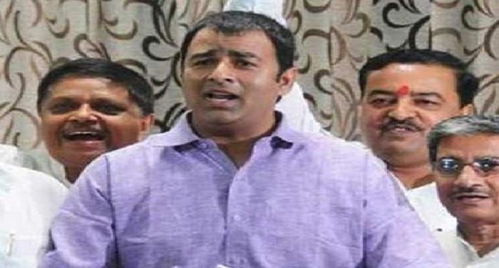 सरधना सीट से बीजेपी विधायक संगीत सोम पर लगा घूस लेने का आरोप