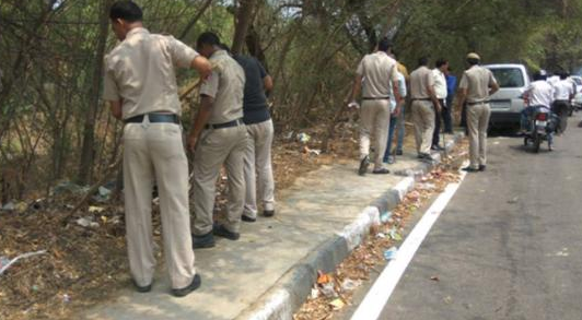 शैलजा मर्डर केसः पुलिस की टीम बुधवार की सुबह से ही मौका-ए-वारदात पर सर्च ऑपरेशन चला रही है